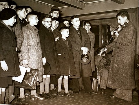 harwich jewish singles Harwich international railway station is on the it consisted of a single history young jewish refugees from germany at harwich in 1938 the great.